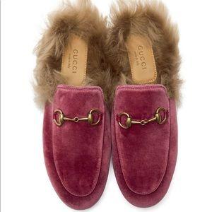 Gucci Velvet Princetown Fur Mule in Raspberry 38.5